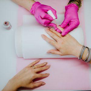 Manicure hybrydowy uzupełnienie